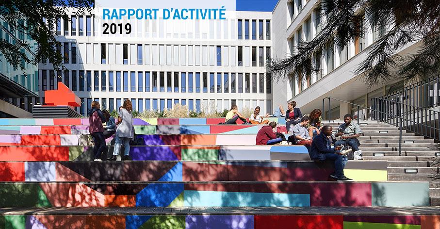 Photo de couverture du rapport d'activité 2019 - Fire at Full Moon Revisited, 2018 1% artistique dans le cadre de la construction du Pôle universitaire des Quais - Franck Scurti