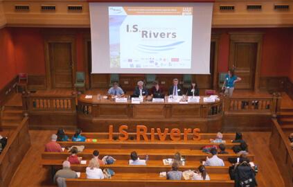Conférence I.S.Rivers - Grand Amphi, Université Lumière Lyon 2 - crédit photo : GRAIE