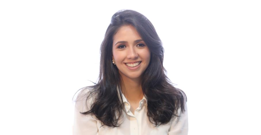 Luisa Mesquita, diplômée de la double licence de droit délocalisée au Brésil - Tristana et Karla Passaglia
