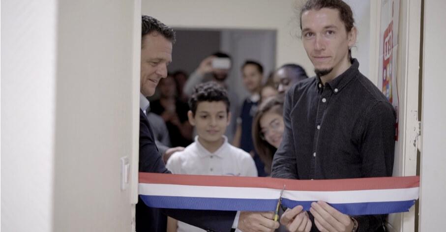 Laurent Fiard, PDG de Visiativ et Cyprien Lefebvre, inaugurant la première salle informatique de WeeeFund